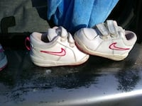 pair of white-and-pink Nike sneakers Lakewood, 98499