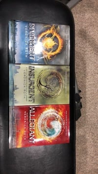 Divergent Book Series Richmond Hill, L4C 0G9
