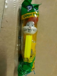 Coolest Looking Bugs Bunny Pez ( never opened) Chicago