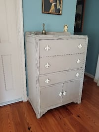 REDUCED! BEAUTIFUL FRENCH PROVINCIAL STYLE DRESSER ALEXANDRIA