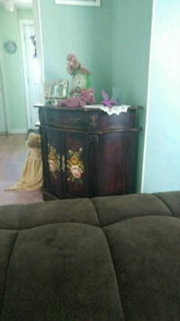 Beautiful cabinet with roses on top and on the bot Simcoe, N3Y 5J9