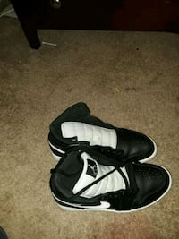 1 pair of black-and-white Nike basketball shoes  Phoenix, 85043