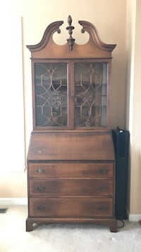Brown wooden cabinet with hutch Ashburn, 20147