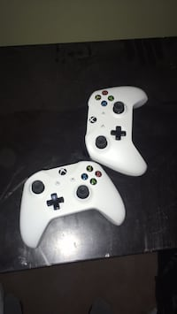 two white Xbox One controllers Cambridge, N1T 1R7