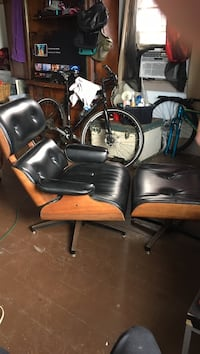 black and brown leather armchair New Orleans, 70116