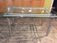 Glass dining table  Milton, L9T 8G1