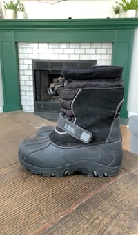 Snow Boots, Size 2 Kids