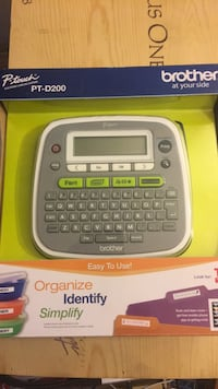 Brother pt-D200 P-Touch Label Maker Newi in box