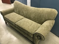 2 seater in excellent condition delivery included
