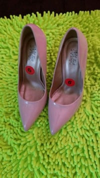 pair of purple pointed-toe heeled shoes New York, 10002