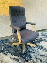Grey Tufted Office Chair