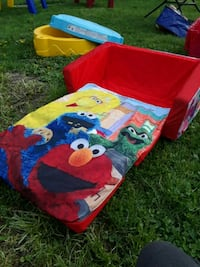 Sesame street bed/couch Syracuse, 13209
