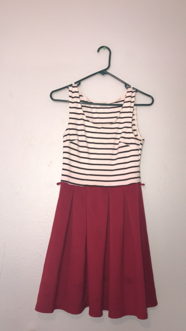 women's red and white stripe sleeveless dress