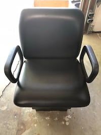 black leather office rolling armchair Agoura Hills, 91301