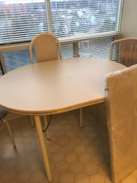 "MOVING TMRW - must sell today - excellent condition - 2+2 chairs + extra 12"" insert (never used) Brampton, L6S 1Z5"