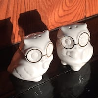 Owl salt and pepper shakers $10 Gatineau, J9J 3P8