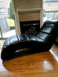 black leather tufted sectional sofa Vaughan, L6A 2K9