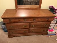 5 piece Bassett full bedroom set that includes a chest, dresser with mirror, nightstand & headboard Knoxville, 37919
