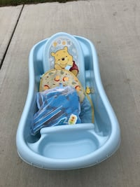 Baby bath + toys Airdrie, T4B 3T7