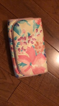 Flower make up bag super cute