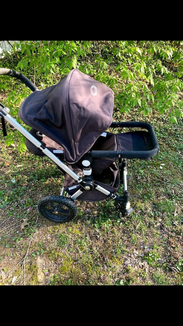 excellent condition Bugaboo Frog jogging and pushing stroller $150 996cd5df-b1da-4caa-98fe-ae32989d41e5