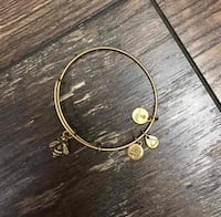 Alex and Ani bumble bee bracelet Centreville, 20121