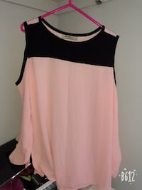 Women's pink and black top 724 km