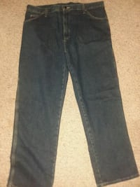 Dickies pants size 38 Odenton, 21113