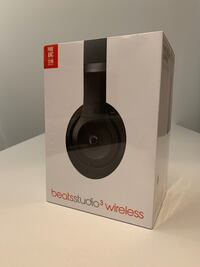 Blacks Beats Studio 3 Headphones Toronto, M4Y 1V6