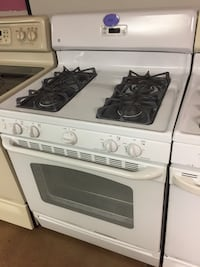 GE white gas stove  Woodbridge, 22191