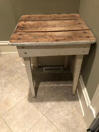 Distressed table Franklin, 37064