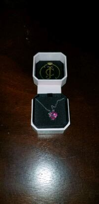 Juicy couture heart necklace  Aurora