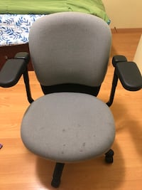 Office chair for sale  Toronto, M1W 2G3