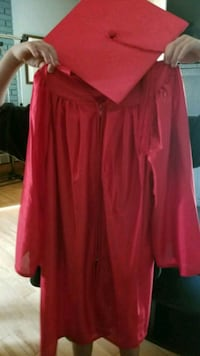 Kinder grad cap and gown with certificate  St. Albert, T8N 2C1