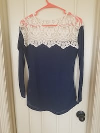 Beige and Blue sweater with lace detail *perfect for the holidays* Valdosta, 31605