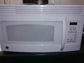 GE microwave oven with oven rack