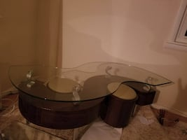 Metro Glass Coffee Table w/ Stools