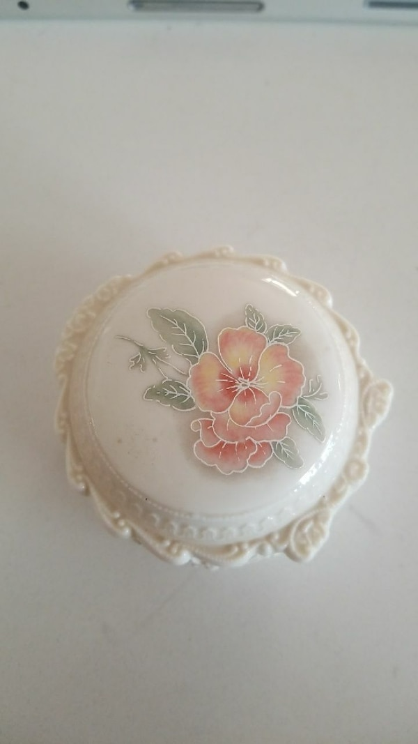 Off white porcelain  with flowers trinket