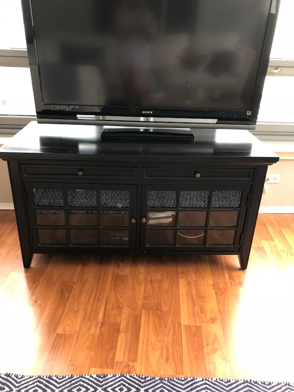 Black TV Stand/Media Console Solid Wood 45be0fea-8b11-495e-8629-bc86a635bf3b