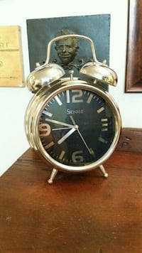 Vintage looking Chrome alarm clock style Baden, N3A 3P1