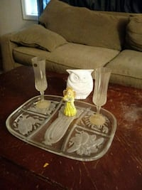 Glassware set2 glasses a platter and 2 figurines Middletown, 21769