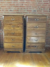 2 solid maple wooden 5-drawer chests Frederick