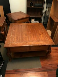 Square brown wooden coffee table with 2 end tables Killeen, 76549