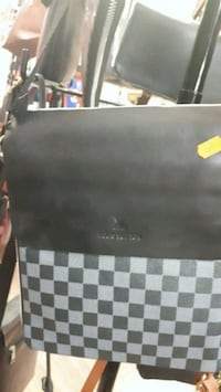 black and gray checkered leather handbag Longueuil, J4T 2G2