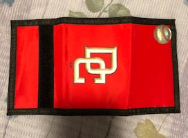 DC trifold wallet