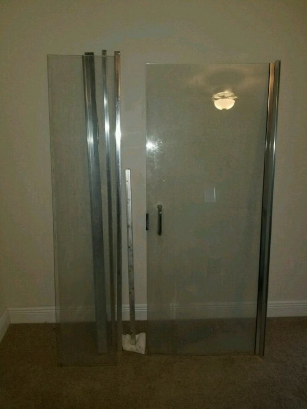 Used 1 Swing out Shower Door for sale for sale in Winter Haven - letgo