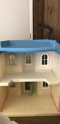 giant  doll house indoor/outdoor Enid, 73703