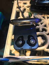 NSP wireless earbuds w/ portable charger Silver Spring, 20902