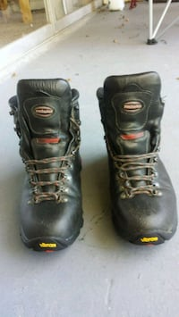 Hiking Boots, men's size 11.5 Roswell, 30075