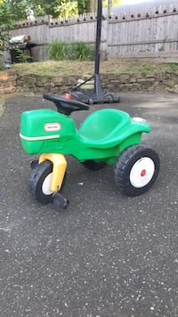 Make an offer - Little Tikes Tractor (needs new front wheel) Ambler, 19002